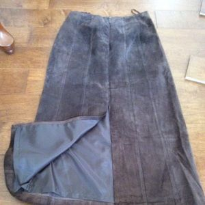 🌟Leather Full Skirt with Back Slit🌟Size 4🌟